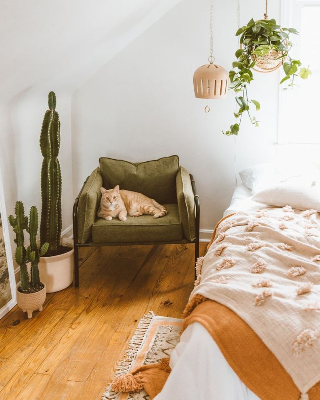Lovely Spring Bedroom Decor Ideas Trending This Year 15