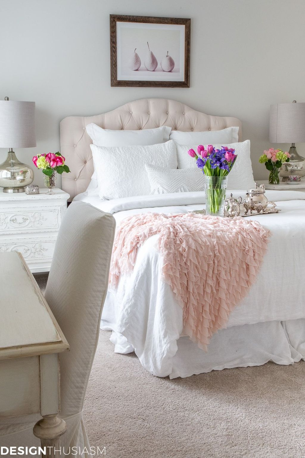Lovely Spring Bedroom Decor Ideas Trending This Year 33