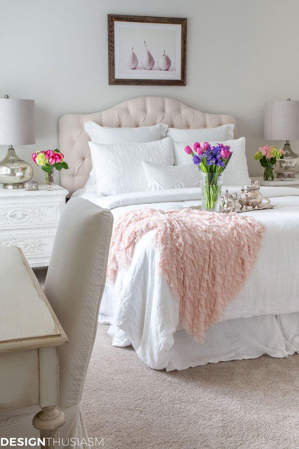 Lovely Spring Bedroom Decor Ideas Trending This Year 33
