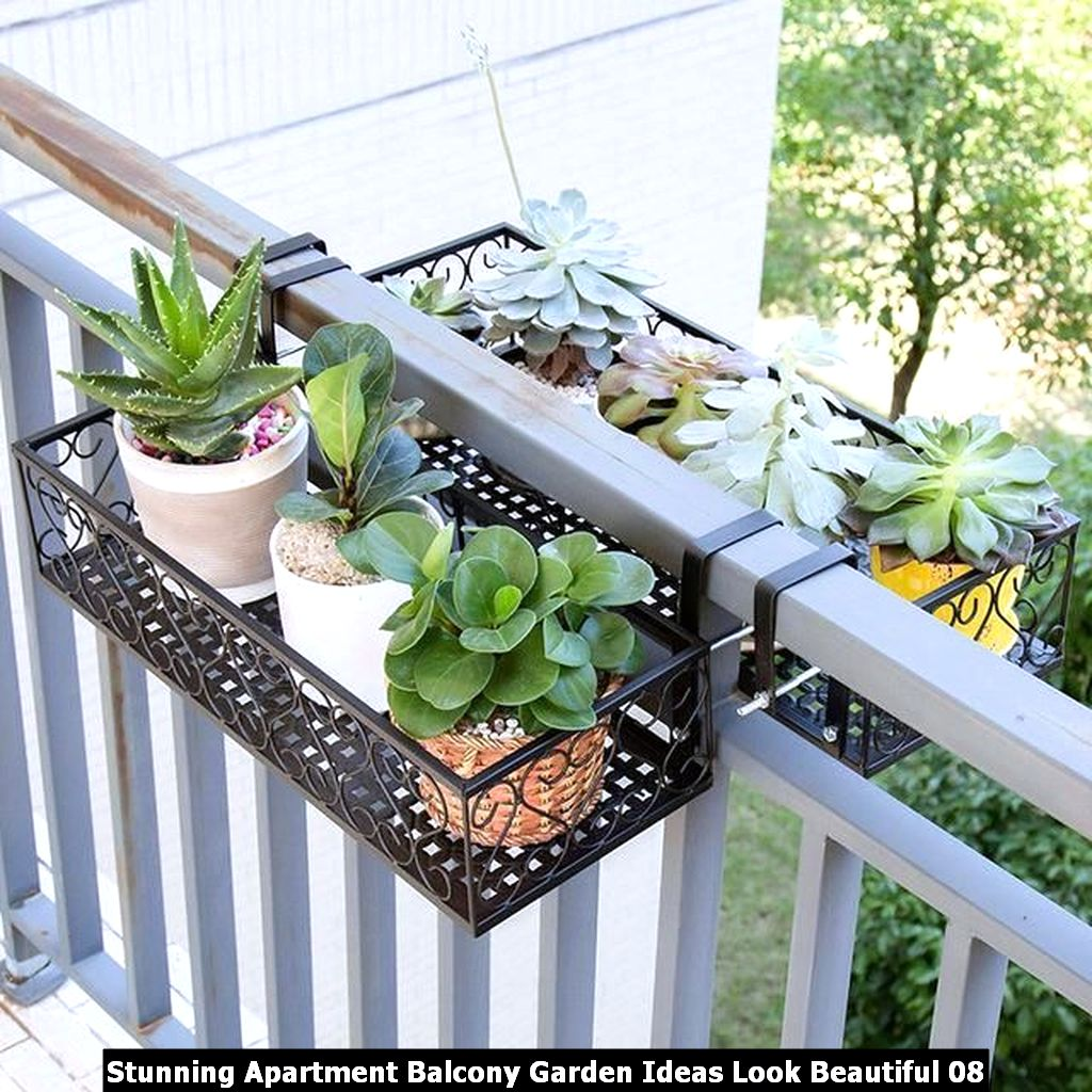 Stunning Apartment Balcony Garden Ideas Look Beautiful 08