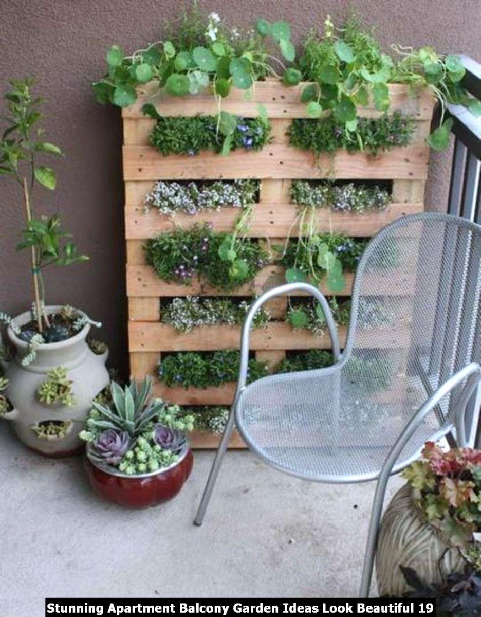 Stunning Apartment Balcony Garden Ideas Look Beautiful 19
