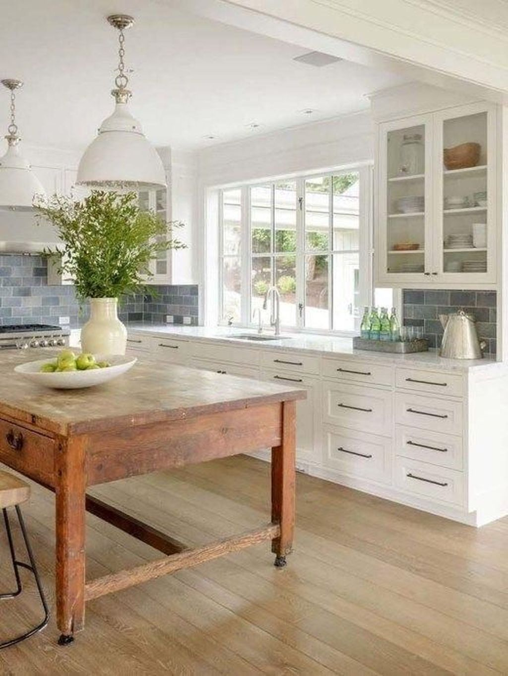 Stunning Farmhouse Kitchen Island Design Ideas 09