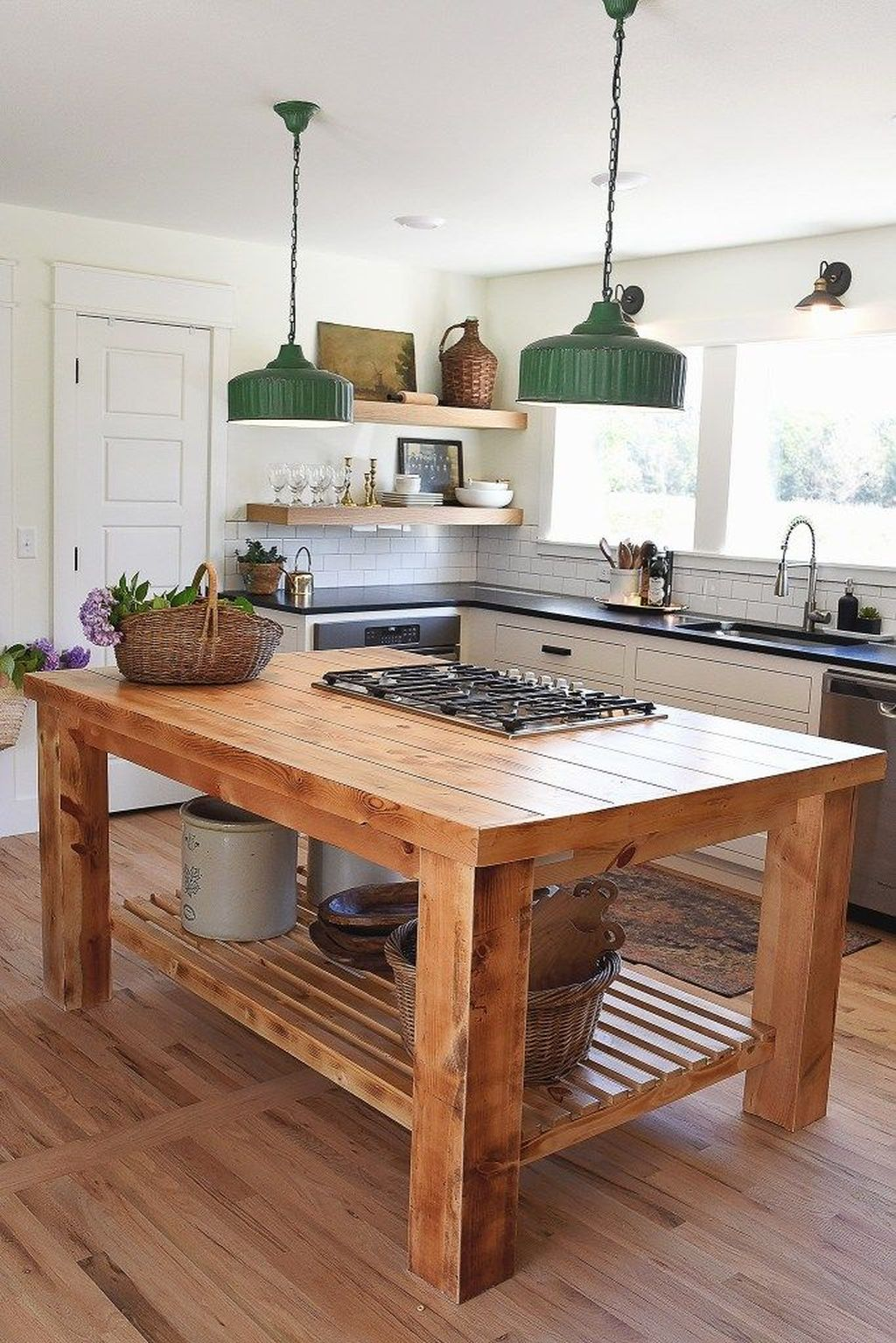 Stunning Farmhouse Kitchen Island Design Ideas 24