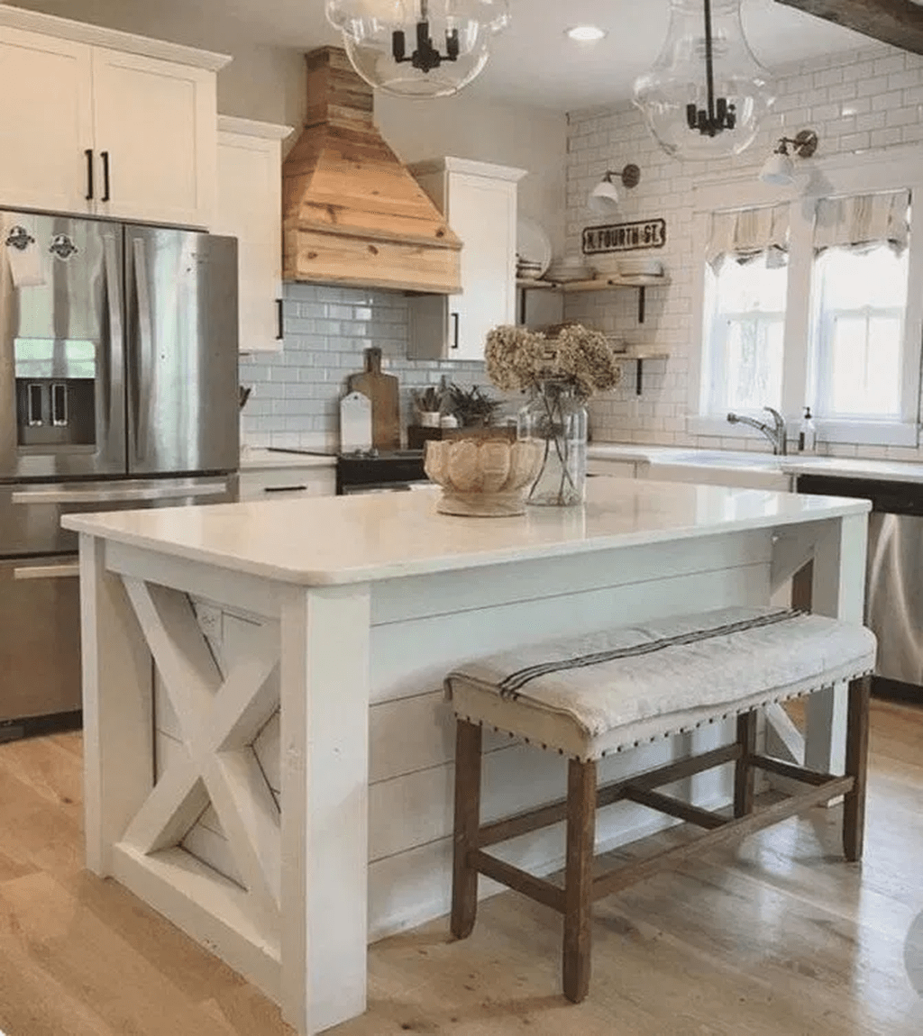 Stunning Farmhouse Kitchen Island Design Ideas 27