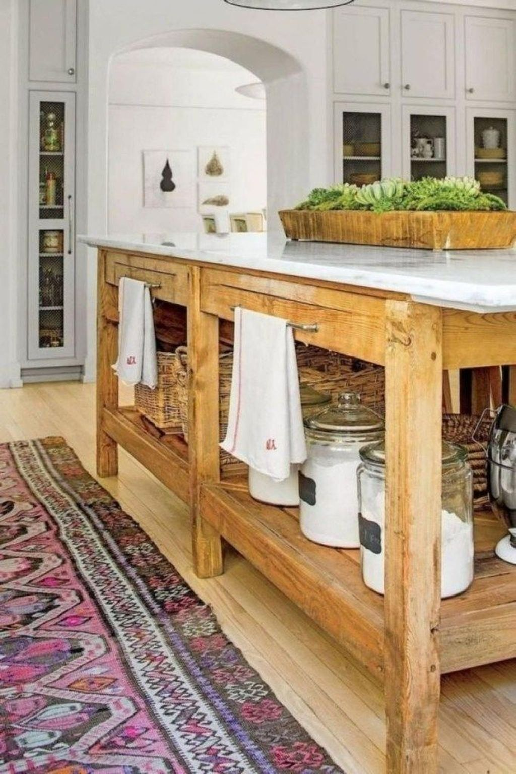 Stunning Farmhouse Kitchen Island Design Ideas 32