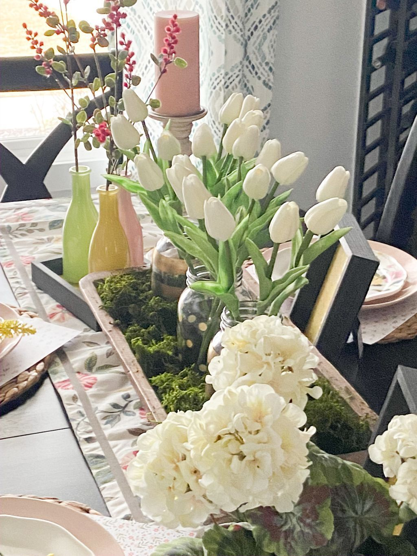 The Best Farmhouse Style Spring Tablescape Decor Ideas 31