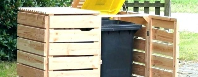 Outdoor Trash Can With Lid