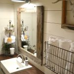 Rustic farmhouse style bathroom design ideas 12