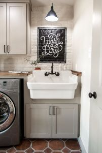 Inspiring Laundry Room Design Ideas 37
