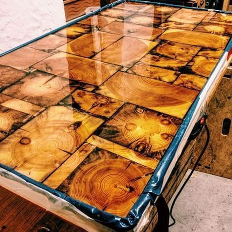 34 Awesome Basement Bar Ideas And How To Make It With Low: Awesome Resin Wood Table Project 51