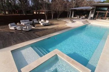 Awesome Small Pool Design for Home Backyard 12