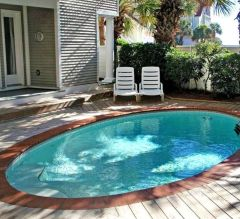 Awesome Small Pool Design for Home Backyard 7