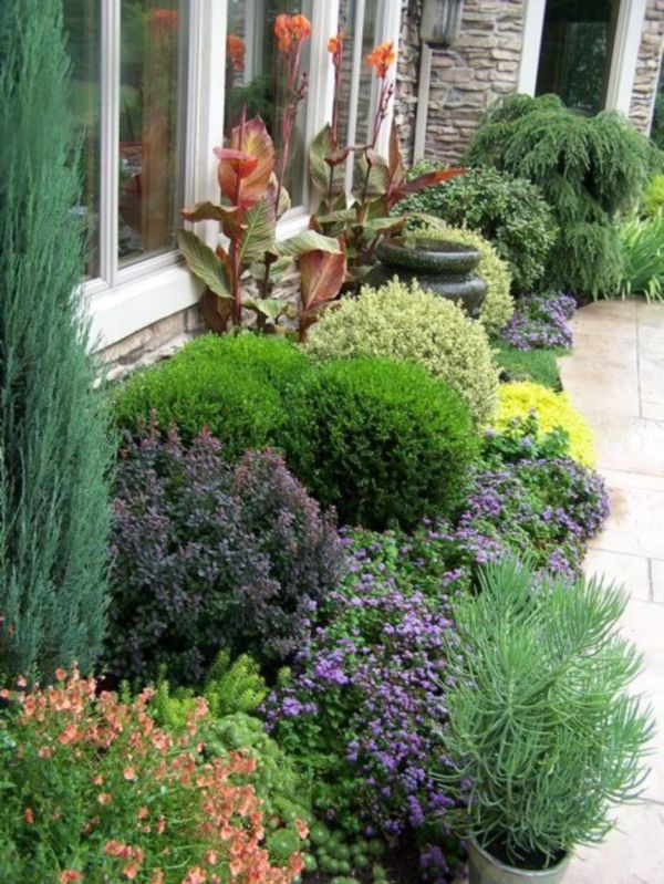 colorful landscaping with maintenace
