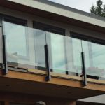 50 Incredible Glass Railing Design for Home Blacony 21