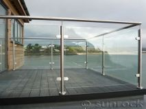 50 Incredible Glass Railing Design for Home Blacony 3