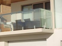 50 Incredible Glass Railing Design for Home Blacony 34