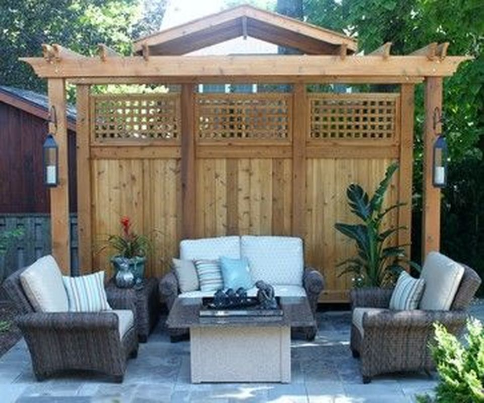 Cool Privacy Fence Wooden Design for Backyard 15 - Hoommy.com