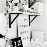 Inspiring Simple Work Desk Decorations and Setup 32