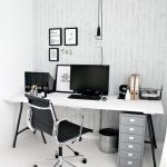 Inspiring Simple Work Desk Decorations and Setup 37