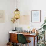 Inspiring Simple Work Desk Decorations and Setup 44