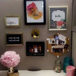 Inspiring Simple Work Desk Decorations and Setup 82