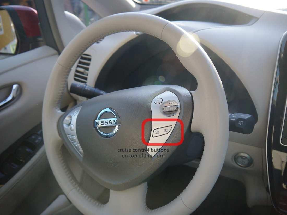 nissan leaf steering wheel