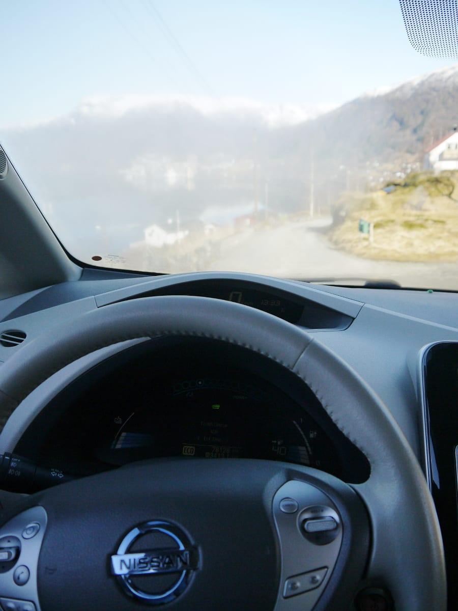 nissan leaf foggy windshield