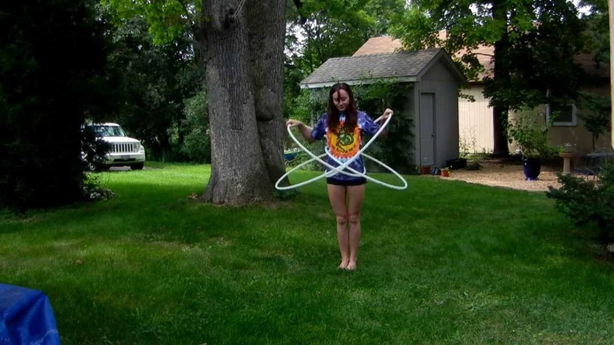 "Hula Hoop Tricks: ""The Butterfly"""