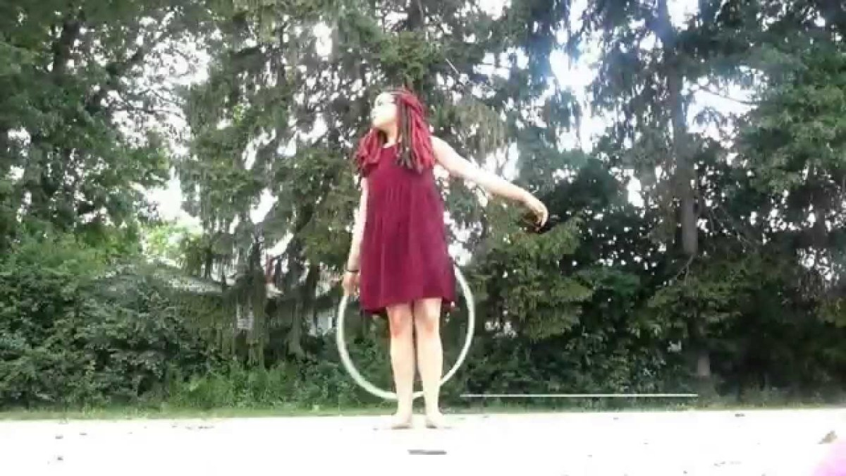 "Hula Hoop Tricks: ""Contact Roll"""