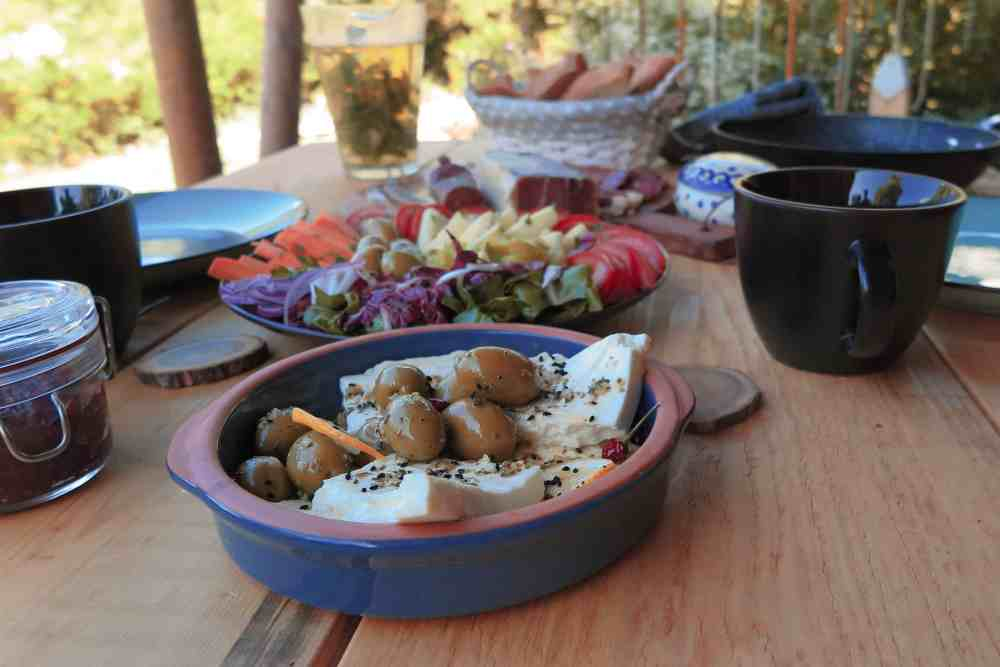 balkan cousine and local organic breakfast at hoopoe glamping