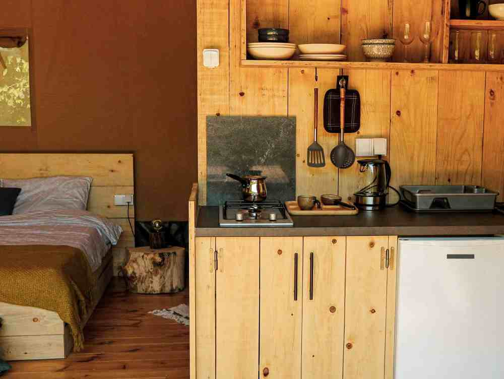 Safari Lodge for couples with kitchen and private facilities