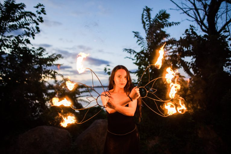 FIRE DANCERS & PROFESSIONAL ENTERTAINERS