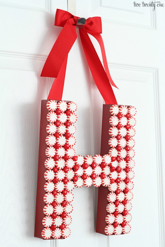 DIY Christmas Door Decoration: Homemade Holiday
