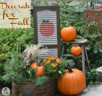 Fall Outdoor Decorating: DIY Painted Shutter