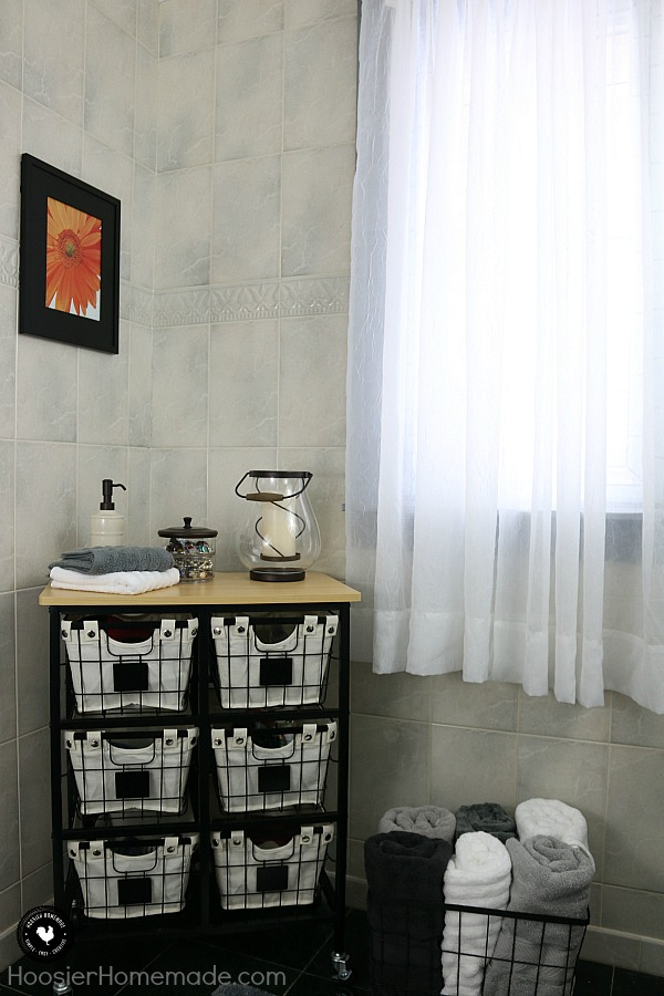 Simple Bathroom Decorating - Hoosier Homemade