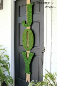 Christmas Door Decoration: Homemade Holiday Inspiration ...