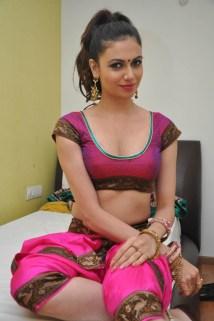Telugu Actress Simran Kaur Mundi New Hot Images
