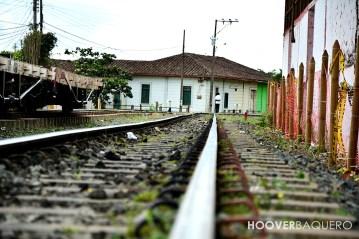 Los rieles se convierten en carreteras, no solo para el tren.