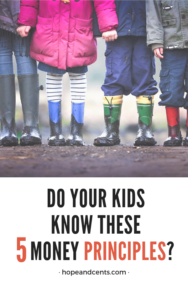 Do you think you need a finance degree to teach your kids about money? Are you worried they may make the same mistakes you did?  Here are five basic money principles every kid should know. No degree required!   #moneytips #kidsandmoney #personal finance