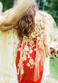 6-real-girls-with-the-most-beautiful-wedding-dresses-1596259-1450139549.640x0c
