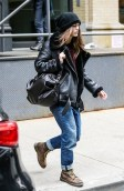 keira-knightley-beats-the-cold-in-chic-shearling-1609754-1451423974.640x0c