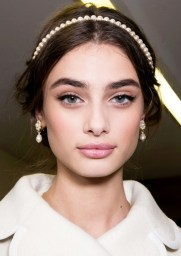 party-hopping-how-to-get-3-beauty-looks-out-of-1-night-1582851-1449192852.640x0c