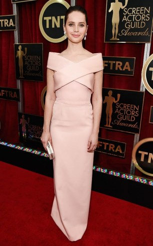 stay-tuned-for-our-live-sag-awards-red-carpet-coverage-1572789-1448391490.640x0c