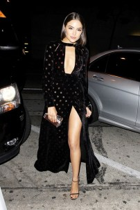 why-giving-sandals-are-now-the-1-celeb-shoe-style-1646444-1454615396.640x0c