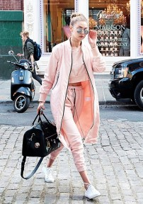 gigi-hadid-just-wore-two-major-trends-at-once-in-nyc-1730941-1460573949.640x0c