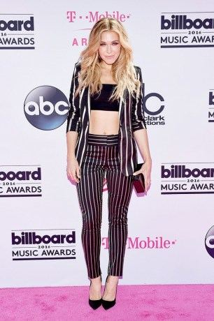the-best-dressed-musicians-from-the-billboard-music-awardssee-the-pics-1778751-1463958791.640x0c