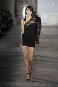anthony-vaccarello-just-won-for-best-front-row-at-saint-laurent-1918984-1475065844-600x0c