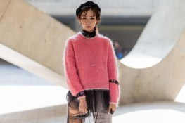 the-best-street-style-from-seoul-fashion-week-1950459-1477323778-600x0c