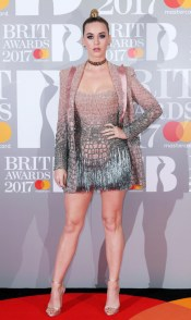 the-10-red-carpet-looks-you-need-to-see-from-the-brit-awards-2149533.600x0c