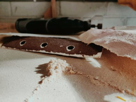 alumina in sandpaper helps it be an abrasive to smooth surfaces